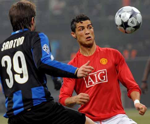 Santon (Inter) tem a camisola de Ronaldo mas prefere Messi