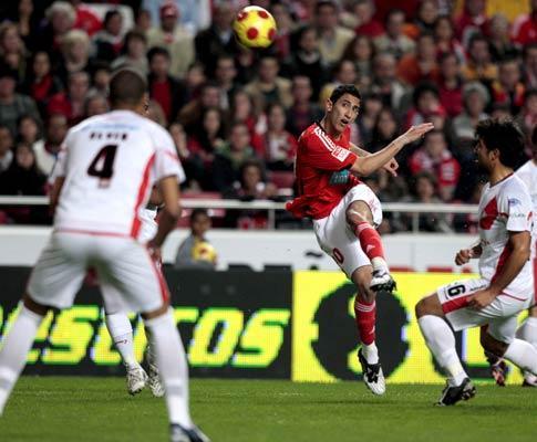 Benfica: Di María ausente devido a traumatismo no pé direito