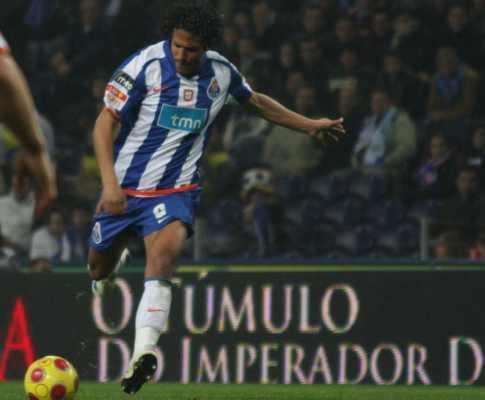Bruno Alves: «Aprendi a roubar a bola sem fazer faltas»
