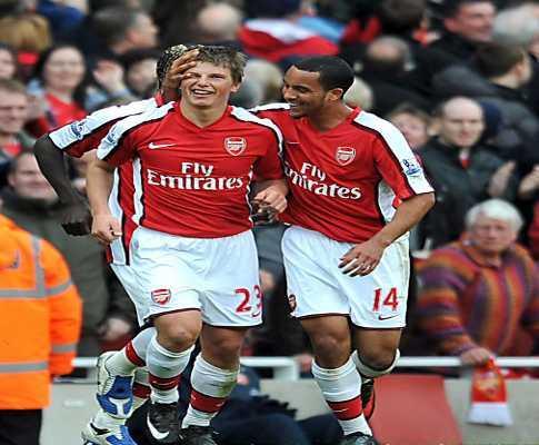 Inglaterra: Arsenal vence Newcastle em jogo emocionante