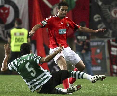 Sporting-Benfica: Pedro Silva atira medalha para longe