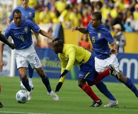 Mundial-2010: Luisão a tempo inteiro no empate do Brasil