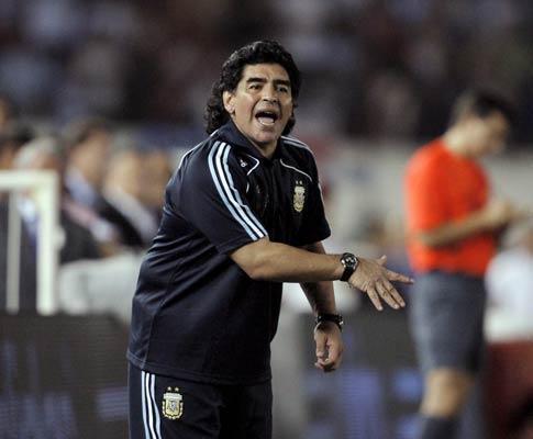 DAlessandro pensa enviar DVD para ver se Maradona o convoca