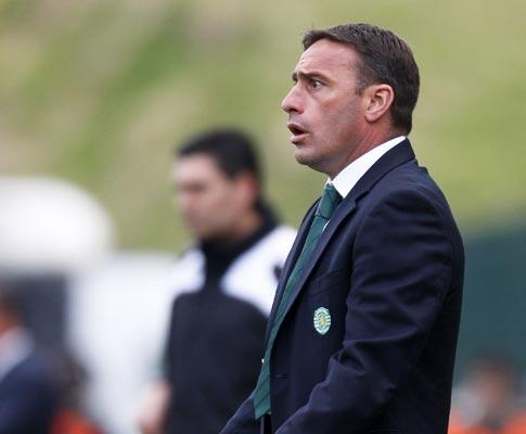 Bento: «Temos de esperar pela perda de pontos do Porto»
