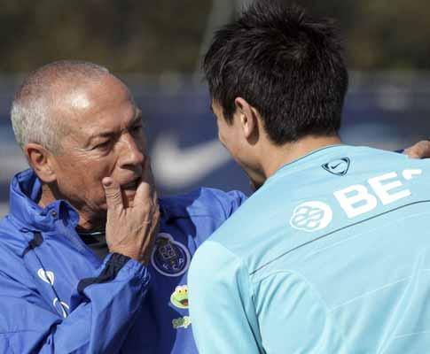 F.C. Porto: treino de recuperação para titulares de Manchester