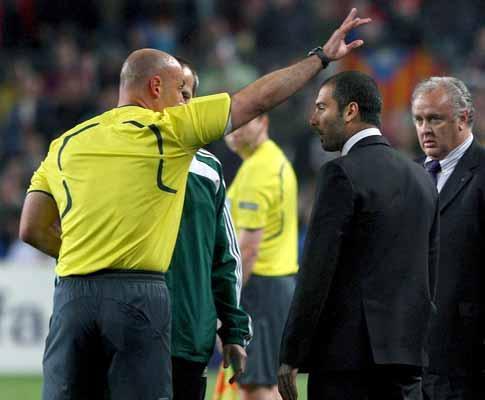 UEFA mantém amarelo a Messi e castiga Guardiola