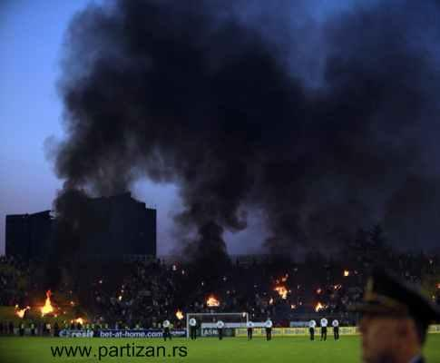 Sérvia: 51 adeptos detidos no «derby» de Belgrado