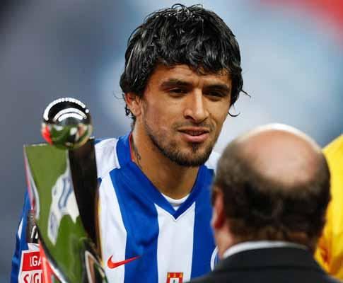 F.C. Porto confirma que Lucho foi submetido a intervenção cirúrgica