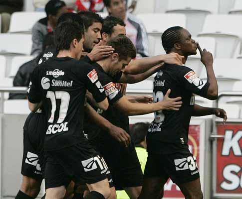 Académica: Nereu e Pedro Costa de volta para o F.C. Porto