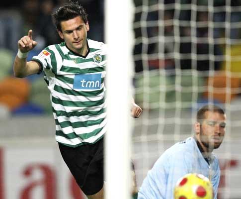 Postiga pressiona F.C. Porto: «Vamos ver o que fazem os outros»