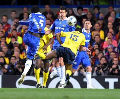 Árbitro do polémico Chelsea-Barcelona de 2009: «Não me orgulho»