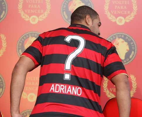 Ai, o amor: Adriano leva namorada ao treino, após polémica