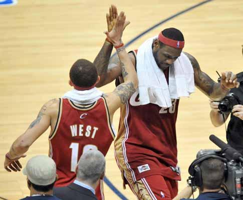NBA: LeBron James é o mais jovem jogador a atingir 15 mil pontos