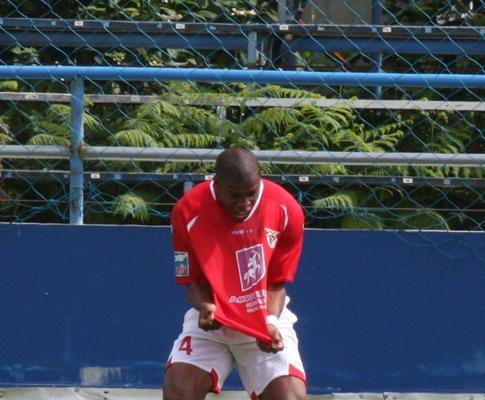Liga de Honra: Santa Clara ultrapassa Portimonense