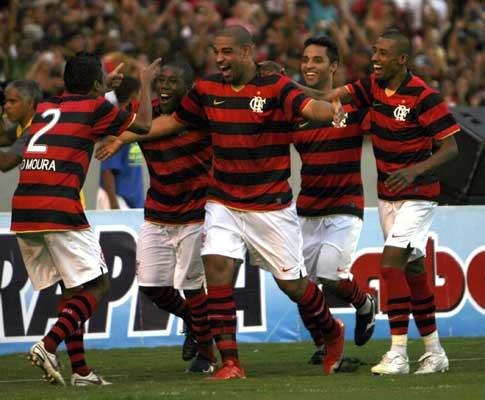 Brasil: Santos marca nove (!), Adriano salva o Fla (vídeo)