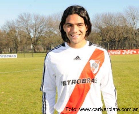 Falcão: «Dizem-me que é o meu último jogo no River Plate»