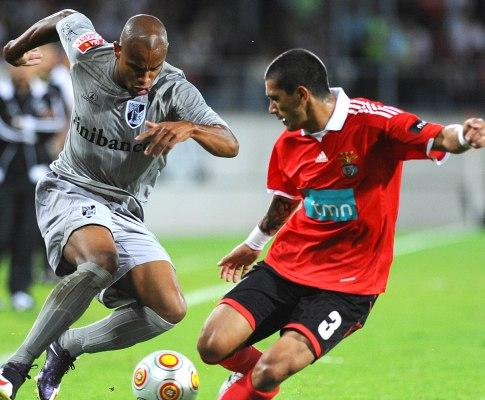 Benfica-AEK: Coentrão, de não convocado a titular (equipas)