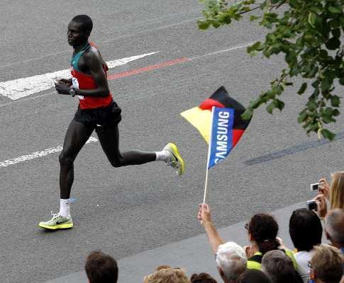 Atletismo: maratona de Roma marcada por morte de participante
