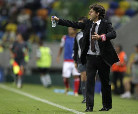 Pedro Proença ofereceu insígnias da FIFA a Domingos