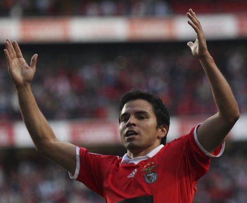 Benfica: Saviola lesionado