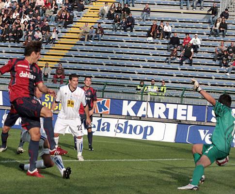 Cagliari: após derrota, presidente devolve dinheiro dos bilhetes