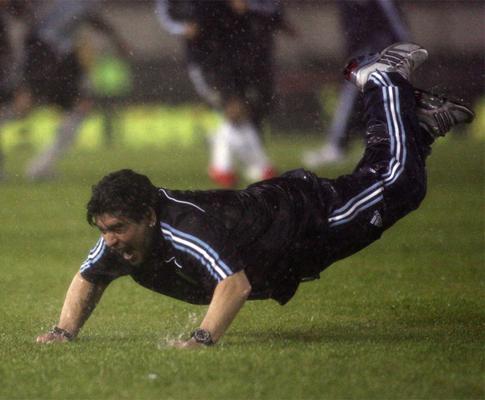Maradona convidado para campanha anti-drogas