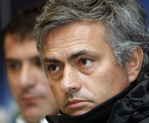 Mourinho sempre à frente: já foi à Rússia espiar CSKA
