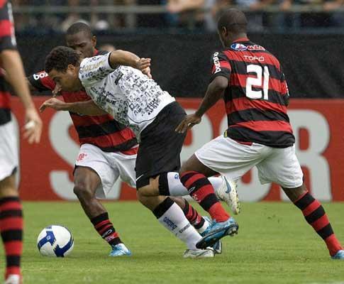 Brasil: Ronaldo responde a vaias com o dedo médio em riste