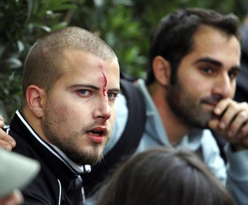 Violência grotesca e indescritível no futebol grego