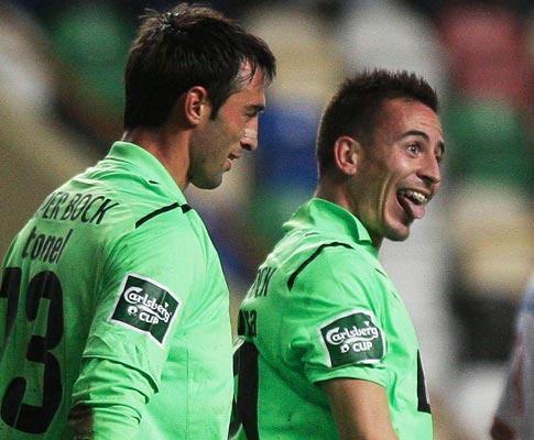 Sporting-V. Guimarães (equipas): João Pereira e Saleiro titulares
