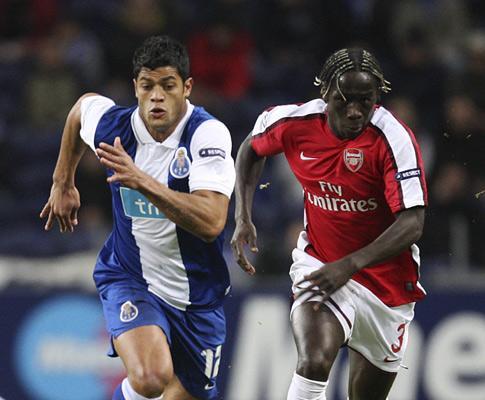 AO VIVO: Arsenal-F.C. Porto, contra os canhões, marcar, marcar!