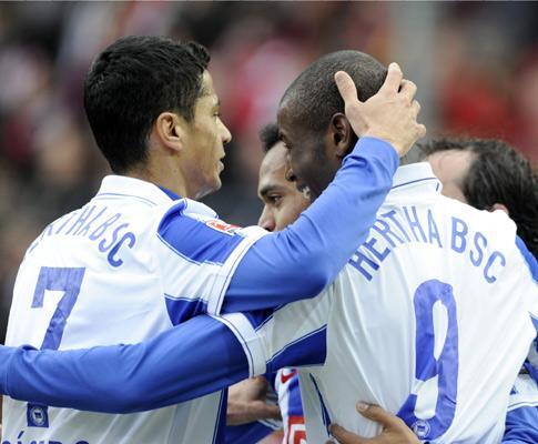 Alemanha: Hertha vence Braunschweig de Marcel Ramos