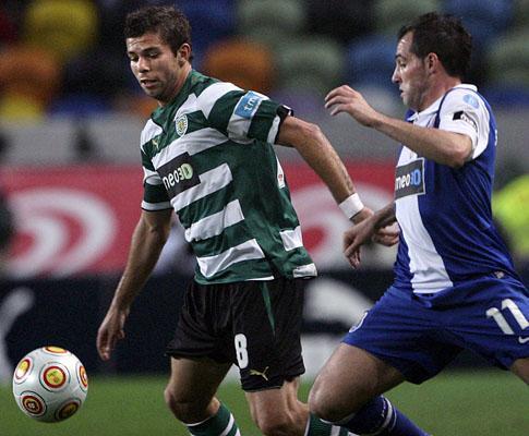 F.C. Porto: lesão no joelho acaba com a época de Mariano