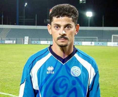 Valdir (ex-Benfica): «O meu bigode chega e as portas abrem-se»