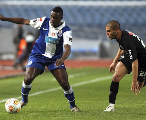 F.C. Porto: Varela fractura perónio e falha resto da época