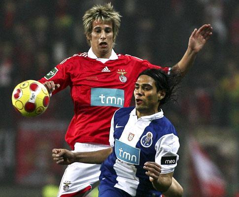 Benfica: gastroenterite «rouba» Fábio Coentrão a Jesus