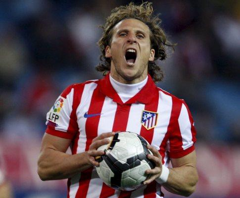 Diego Forlán zangado com os adeptos do At. Madrid