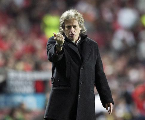 Jesus é o terceiro técnico português campeão no Benfica