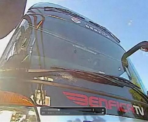 Benfica chega ao Porto após apedrejamento do autocarro