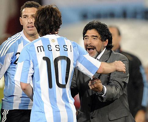 Maradona pede para Messi não voltar à seleção argentina