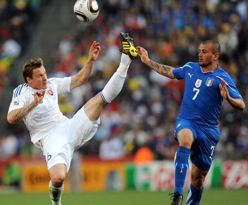 Grupo F: Eslováquia-Itália, 3-2 (destaques)