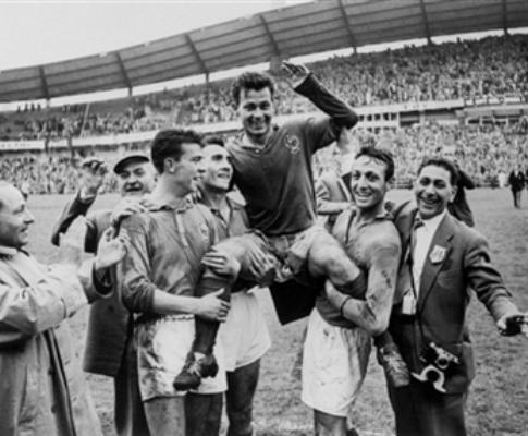 Entrevista a Fontaine: o segredo dos 13 golos no Mundial-58