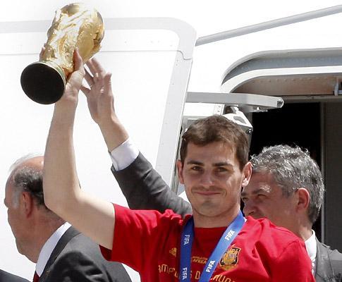 Mundial: Casillas levará a taça para o relvado na abertura