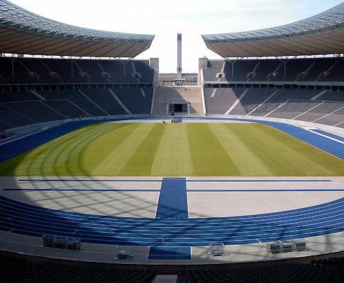 Alemanha: Nuremberga regressa à Bundesliga 4 anos depois