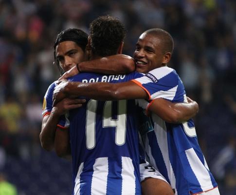 F.C. Porto: lesão de Fernando reavaliada na terça-feira