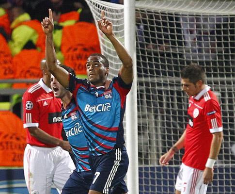 Benfica: mais cantos, mas nem um remate em Lyon