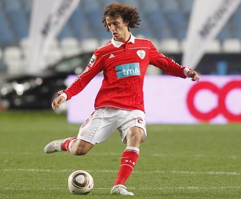 Benfica: Daviz Luiz não viajou para Inglaterra