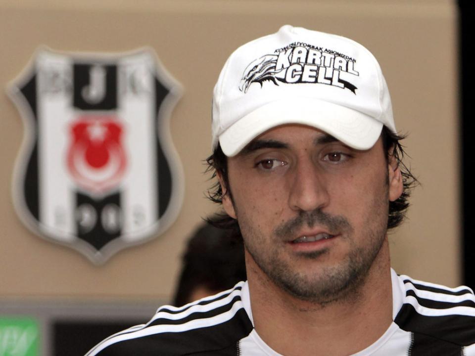 Turquia: Hugo Almeida e Manuel da Costa marcaram no Besiktas-Sivasspor (1-1)