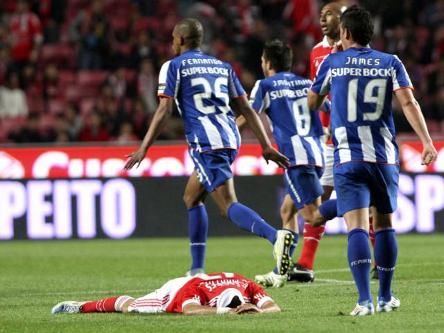 Jogadores do FC Porto festejam na Luz (ANTÓNIO COTRUM/LUSA)