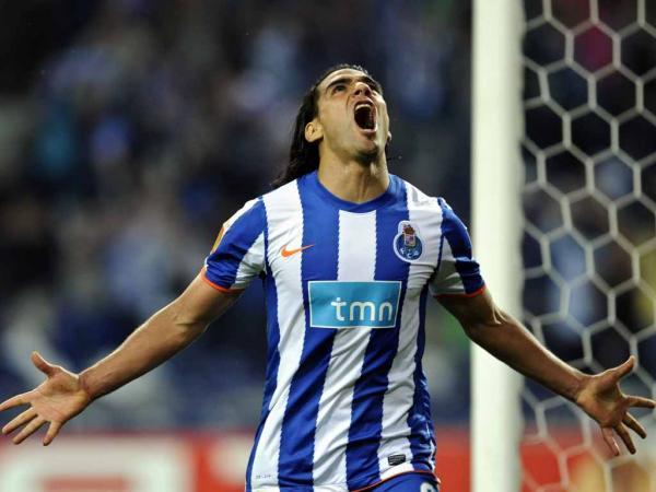 DIRECTO: F.C. Porto-Gil Vicente, regresso agitado